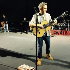 Alejandro Sanz guitarra Maestro