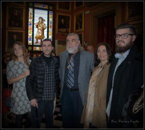 Antonio Morales, sus hijos, y Gabriela Canseco