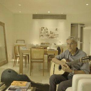 Caetano Veloso en su casa