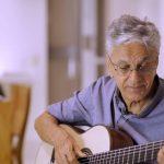 Caetano Veloso guitarra La Maestro