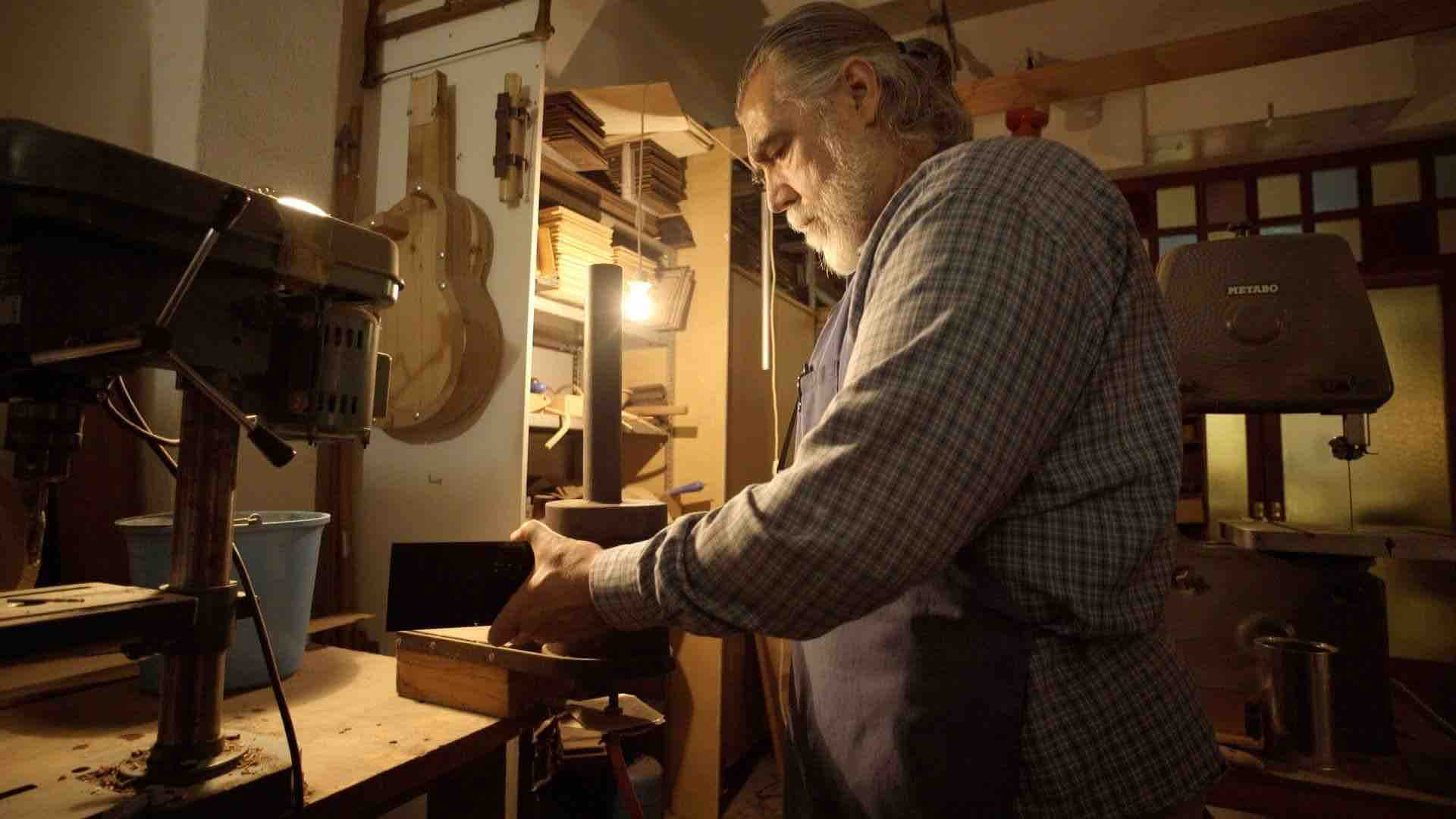 constructor-guitarras-aro-guitarra