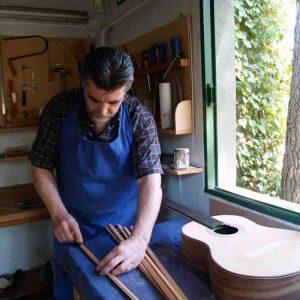 Luthier guitarra española