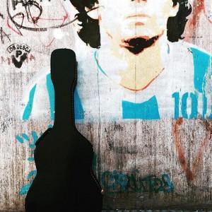 Maradona guitarra