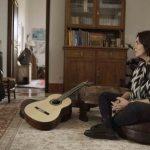 """Gabriela con la guitarra """"La maestro"""""""