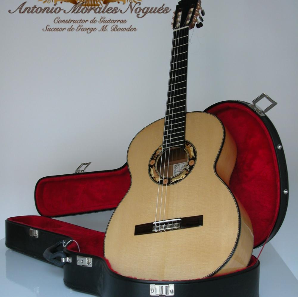 guitarra Morales foto